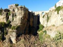 Ronda: kanjon och bro 2 royaltyfria bilder
