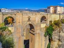 Ronda, Spanje in Puente Nuevo Bridge over de Kloof van Taag Royalty-vrije Stock Fotografie