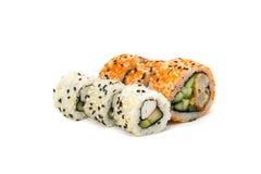 Ronde broodjes met horizontaal geïsoleerde komkommer en krab Royalty-vrije Stock Foto's