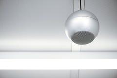 Ronde luidspreker bij plafond Royalty-vrije Stock Fotografie