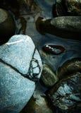 Ronde rotsen in water Royalty-vrije Stock Fotografie