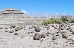 Ronde steen met een barst in Ischigualasto royalty-vrije stock foto's