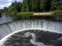 Ronde waterkering Royalty-vrije Stock Afbeeldingen
