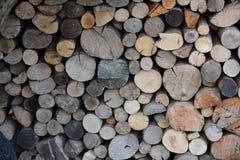 Rondins en bois pour le fond Photo libre de droits