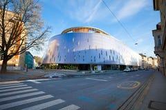 Rondo modern die flatgebouw in de stad van Graz wordt gevestigd Stock Afbeeldingen