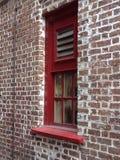 Rood baksteenvenster Royalty-vrije Stock Foto's