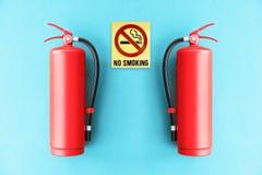 Rood brandblusapparaat op de blauwe muur Royalty-vrije Stock Fotografie