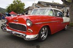 Rood Chevrolet, 1955 Linkermening Stock Fotografie