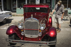 Rood dat Amerikaans Uitstekend autojaar 1930 shinning Stock Afbeelding