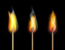 Rood de Gelijkehout van de Brandbrandwond op Zwarte Achtergrond Royalty-vrije Stock Foto's