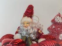 Rood de Prentbriefkaarelf van het Kerstmis Nieuw jaar Stock Foto's