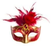 Rood die Carnaval-masker met veren op wit wordt geïsoleerd Stock Afbeelding