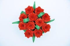 Rood die rozenboeket met het quiling van techniek wordt gemaakt stock afbeelding