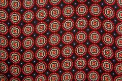 Rood en blauw etnisch cirkelpatroon stock foto's