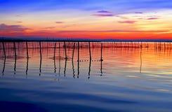 Rood en blauw in het meer royalty-vrije stock foto