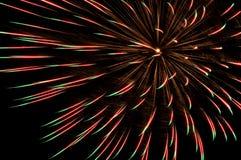 Rood en groen vuurwerk Stock Fotografie