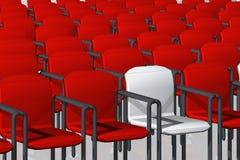 Rood en witte stoelen één Stock Afbeelding