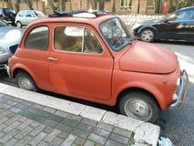 Rood Fiat 500 Stock Foto