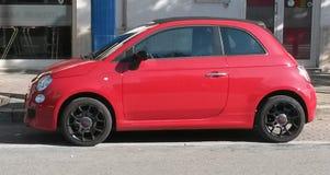 Rood FIAT 500, nieuwe versie Stock Foto's