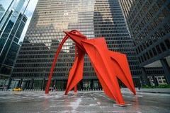 Rood Flamingobeeldhouwwerk in Chicago Stock Afbeeldingen