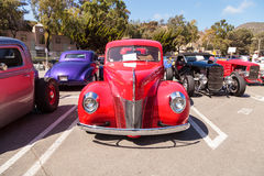 Rood 1940 Ford Deluxe Opera Coupe Stock Foto