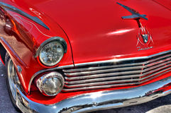 Rood Ford Fairlane Stock Afbeeldingen