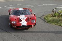Rood Ford GT 40 op het ras Stock Fotografie