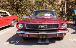 Rood 1966 Ford Mustang Stock Foto