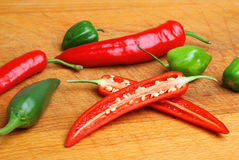 Rood & Groen Chili Peppers Stock Fotografie