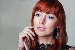 Rood Haar Mooie vrouw met kort haar Hoog - kwaliteitsbeeld Stock Foto