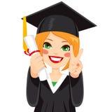 Rood Haired Graduatiemeisje Stock Afbeeldingen