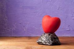 Rood hart, concept liefde en verhouding, stock afbeelding