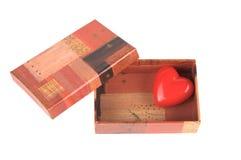 Rood hart in de kleine doos Royalty-vrije Stock Foto's
