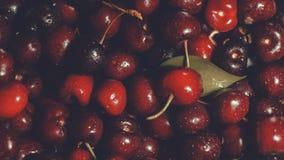 Rood - heerlijke kersen als achtergrond royalty-vrije stock afbeelding