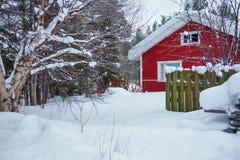 Rood houten Fins huis Stock Afbeelding
