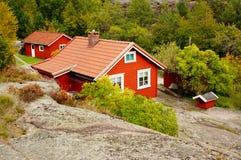 Rood houten traditioneel huis, Noorwegen Stock Foto
