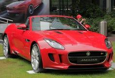 Rood Jaguar in Motoexpo in Londen Stock Foto