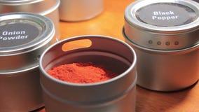 Rood kruid in tin stock footage