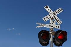 Rood licht op een spoorweg kruising royalty-vrije stock foto