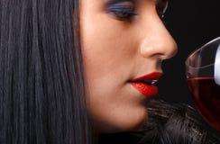Rood lippen en glas wijn Stock Foto