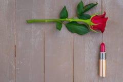 Rood lipsickstilleven Royalty-vrije Stock Afbeeldingen