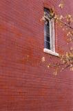 Rood muur en venster Royalty-vrije Stock Afbeelding