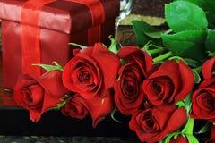 Rood nam en Gift toe royalty-vrije stock foto