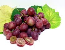Rood nam geïsoleerde druiven toe Royalty-vrije Stock Fotografie