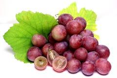 Rood nam geïsoleerde druiven toe Royalty-vrije Stock Afbeeldingen