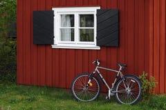 Rood plattelandshuisje Stock Foto's