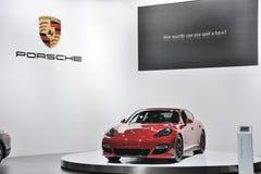 Rood Porsche Panamera GTS Stock Fotografie