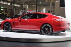 Rood Porsche Panamera GTS Stock Afbeeldingen