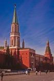 Rood Vierkant met de Toren van het Kremlin en Nikolskaya- Stock Foto
