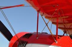 Rood vliegtuigenvliegtuig Stock Fotografie